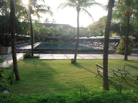 Hotel Santika Premiere Beach Resort Bali:                   good combination
