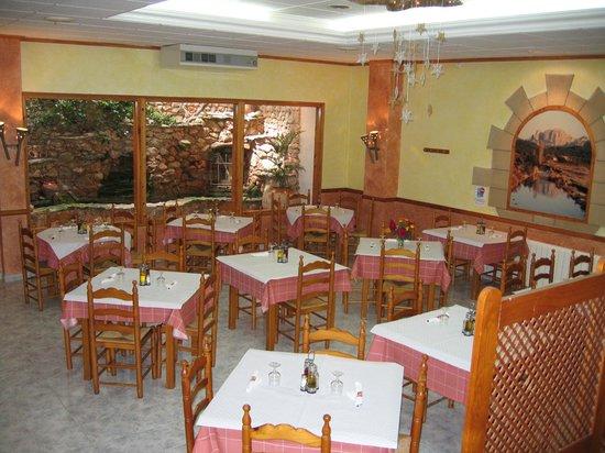 Casa barcelo tarragona spanje foto 39 s reviews en - Casa barcelo hostel ...