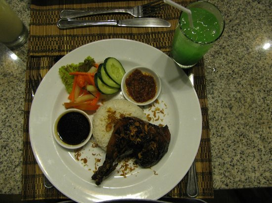 Bali Rich Luxury Villa:                   Chicken
