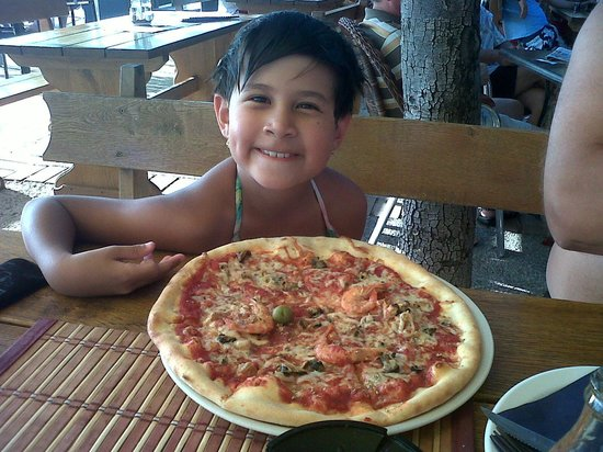 Meduza:                   My daughter very like their pizza