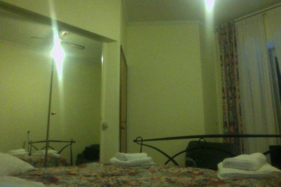 Hotel Alexis :                   Camera singola al 4° piano