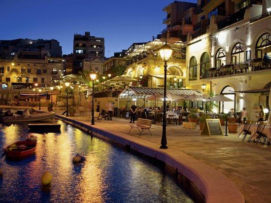 Saint Julian, Malte :                   St Julian's Promenade