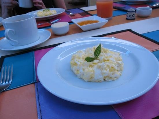Casalegre Art Vila B&B - Santa Teresa:                   Breakfast at Casalegre (note the fresh mango jam!)