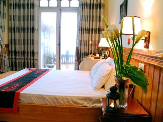 Elysian Sapa Hotel: Deluxe Double Mountain view with a terrace