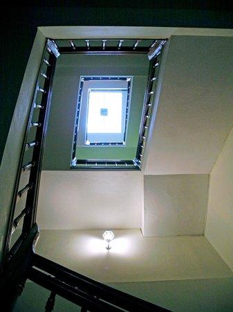 Elysian Sapa Hotel: Staircase