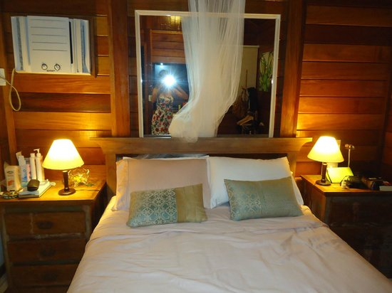 Aratinga Inn:                   bed room