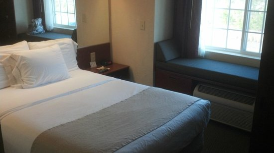 Microtel Inn & Suites by Wyndham Jasper:                                     Room I Stayed In