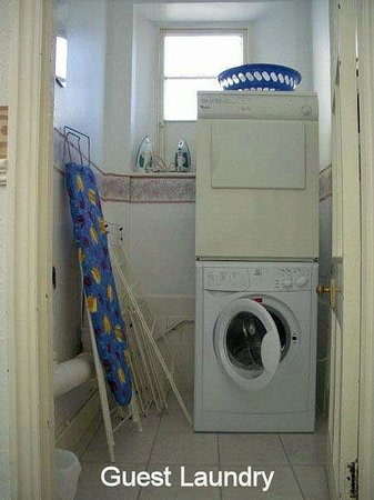 Meadowside Holiday Apartments: Guest Laundry