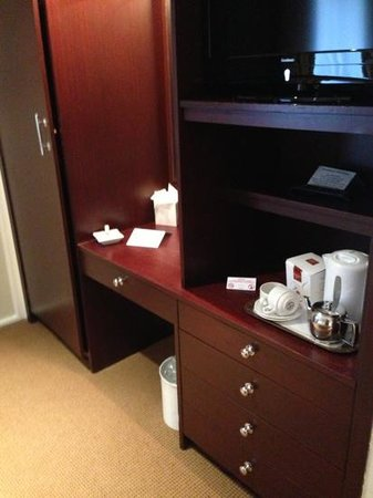 Barnstaple Hotel:                   Plenty Wardrobe space, tea and coffee facilities
