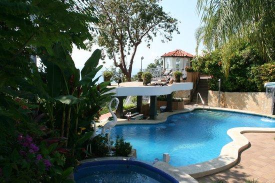 La Mansion Inn:                   Pool