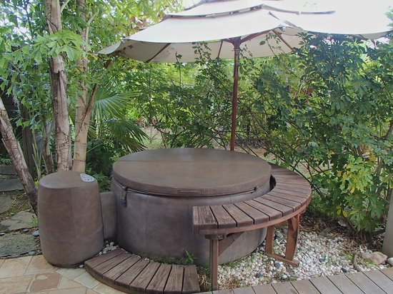 The Palmwood:                                     East Hot Tub