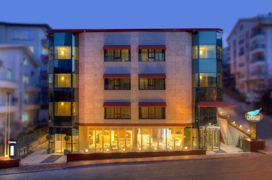 Nesta Boutique Hotel: FAÇADE