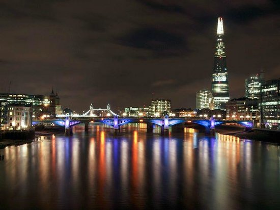 Radisson Blu Edwardian Mercer Street Hotel:                   London at night from Westminster Bridge