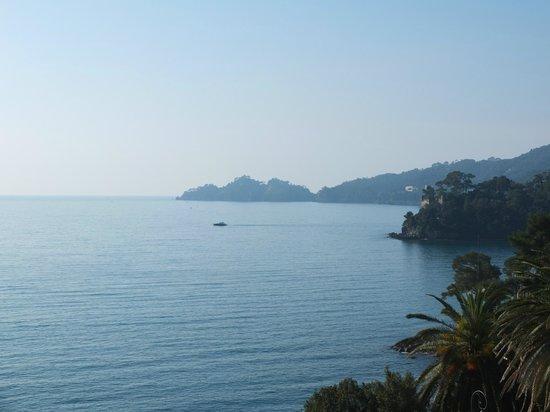 Excelsior Palace Hotel:                                     Vue cotés Portofino