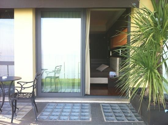 Hotel Aurora: camera dal giardino