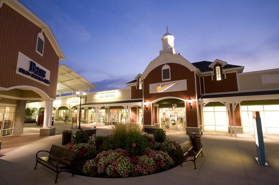 Tanger Outlets Pittsburgh