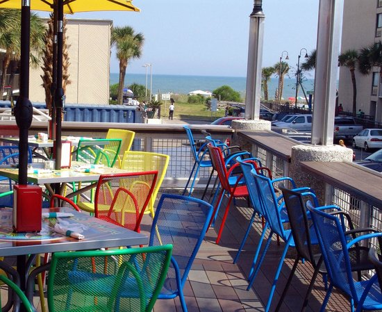 Loco Gecko: Our deck provides great views of the ocean.