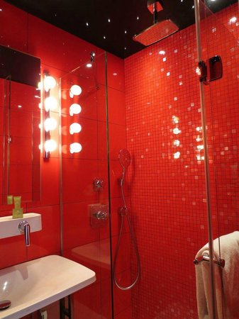 Hotel Atmospheres:                   Room 162 Amazing Shower :)