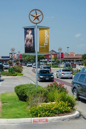Tanger Outlets San Marcos - 2019 All You Need to Know BEFORE You Go ...