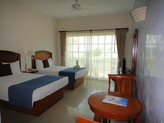 Hotel Posada Sian Ka'an:                                     double room accommodations