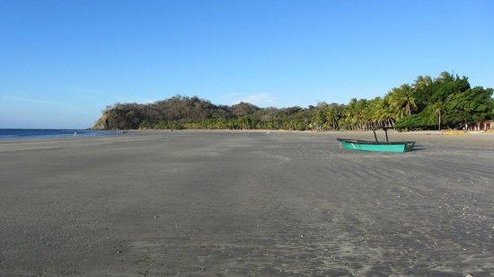 Intercultura Costa Rica Spanish Schools:                   Playa Sámara at low tide.