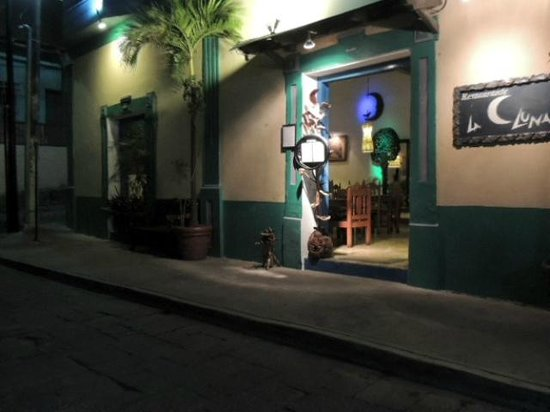 Restaurante La Luna:                   la luna
