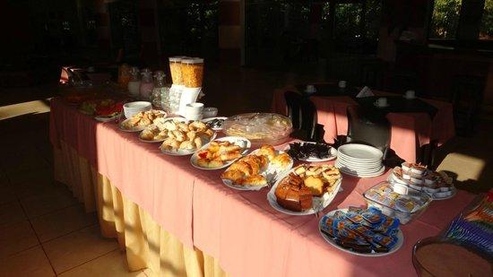 Sol Cataratas Hotel:                   Desayuno Continental