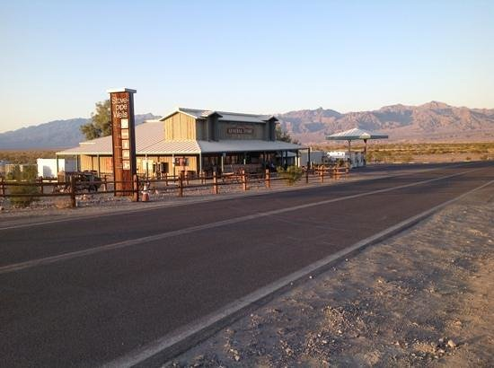 Stovepipe Wells Village Hotel:                   The general store