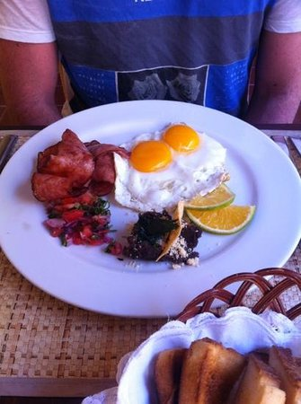 Hotel Boutique Casa Don Gustavo:                   Part of the American breakfast