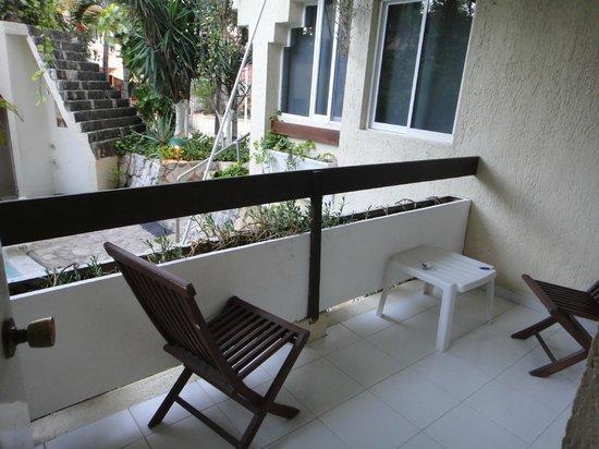 Hotel Labnah:                   terrace