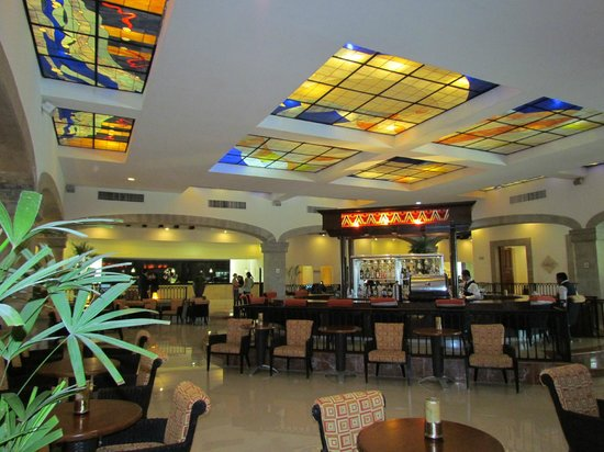 Hotel Marina El Cid Spa & Beach Resort:                   main lobby bar - live music in the evenings