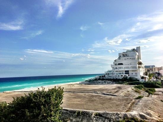 Live Aqua Beach Resort Cancun:                   view from Garden-View