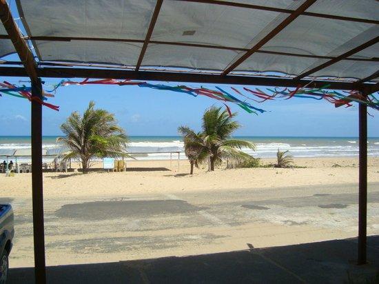 Pirambu beach:                   Vista de dentro do restaurante