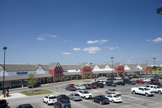 Outlets at Tuscola is located in Tuscola, Illinois and offers 38 stores - Scroll down for Outlets at Tuscola outlet shopping information: store list, locations, outlet mall hours, contact and address.3/5(18).