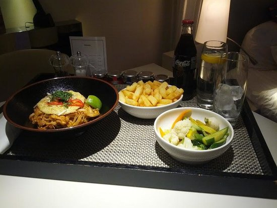 W London Leicester Square:                   Room service