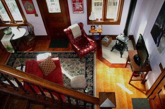 B Bryan Preserve: Cottage den