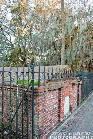 Walk + Shoot Savannah: colonial park cemetery