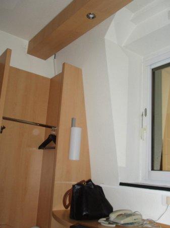 Ibis Caen Centre: chambre éclairée