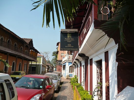 WelcomHeritage Panjim Inn:                   street view