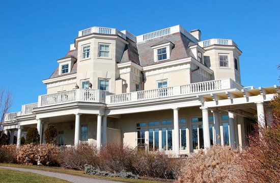 The Chanler at Cliff Walk: Hotel from the Outside