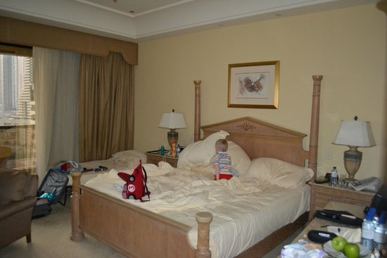 Le Royal Meridien Beach Resort & Spa:                   Our room