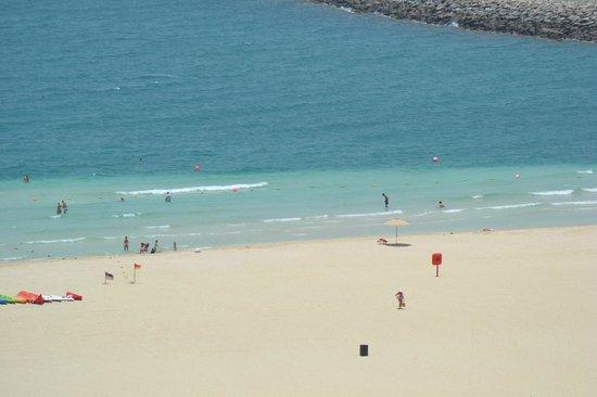 فندق لو رويال ميريديان بيتش ريزورت آند سبا:                   Beach                 