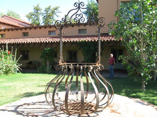 La Posada Hotel:                   Historic grounds!