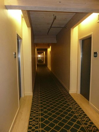 Harbor House Hotel & Marina at Pier 21: Hallway on 3rd floor