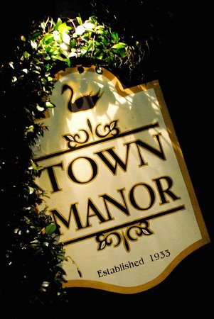Town Manor Bed and Breakfast: Welcome to Town Manor