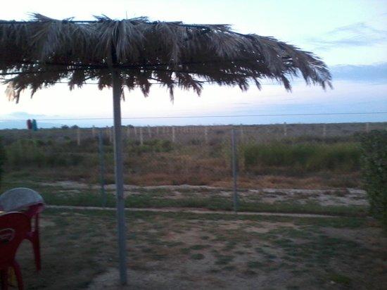 Camping L'Aube:                   uitzicht bungalow over het natuurgebied