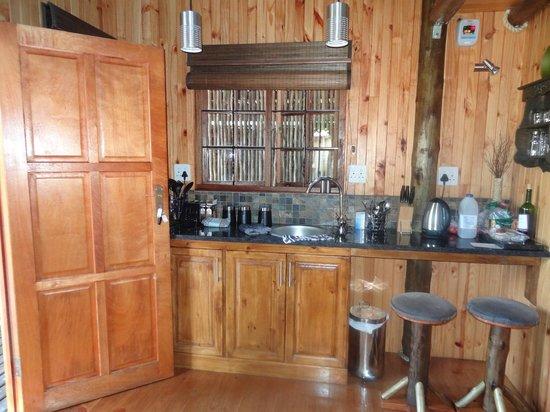 Ciara Lodge :                   Lodge Baobab keuken