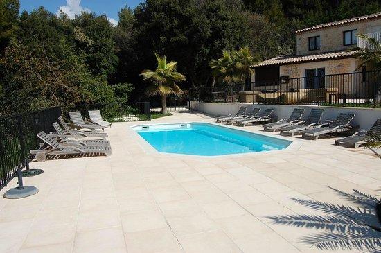 Domaine du Mont Leuze :                   deuxième piscine