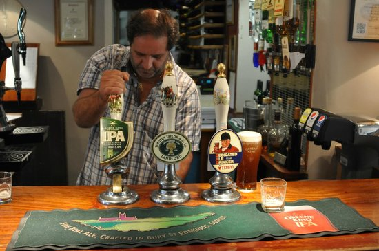 Fox & Hounds Restaurant Exton:                   Fox and Hounds owner