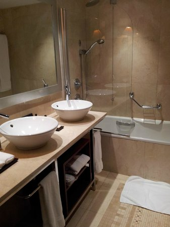InterContinental Lisbon:                   Salle de bain